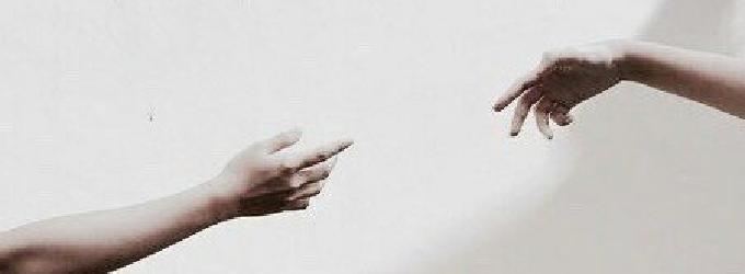 Его руки были созданы для полетов за звездами - лирика
