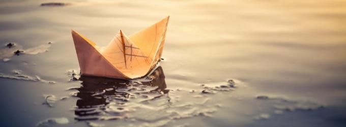 Бумажный кораблик детства