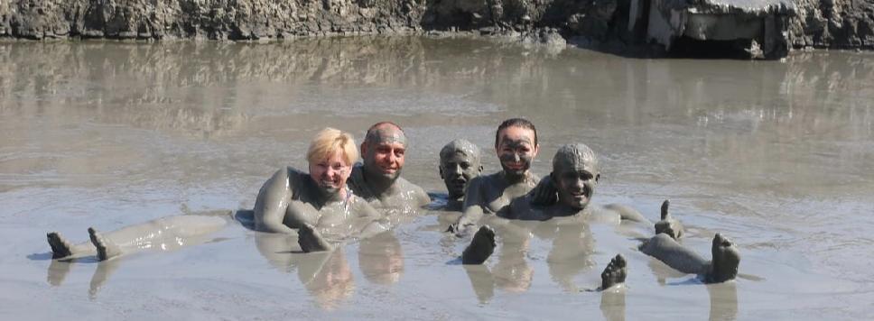 Кругом грязь