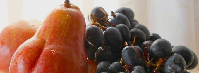 Груша и виноград