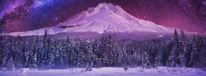 Ночью мороз, небо в пурпуре.