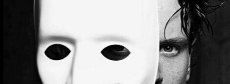 Я устал от ваших масок искажённых