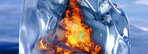 То жжётся лёд, то пламень не согреет