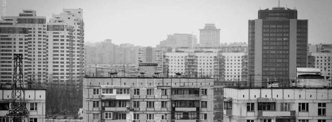 На город осела тоска в виде пыли