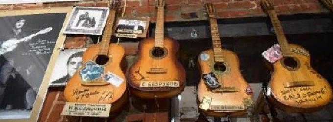 Как хочется живого слова - гитара, голос, слово, о жизни, лирика