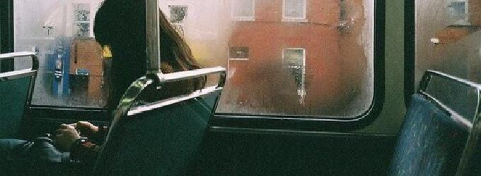 Я стою в серебристо-молочной дымке