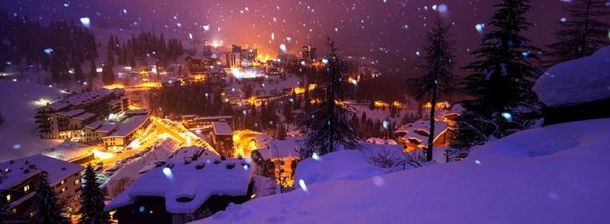 Когда снега окутывают город - природа
