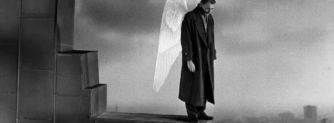 Спустился ангел на землю с небес